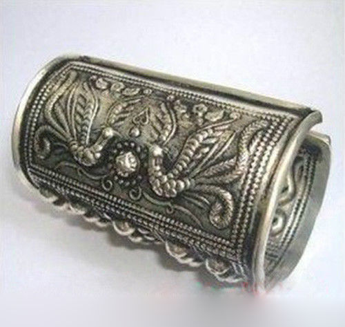 Tribal Exotic Chinese Miao Silver Bracelet