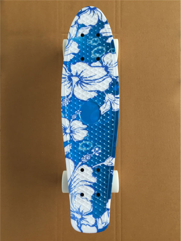Image 2 - 22 Inch complete Mini Skate board With White flowers pattern for Girl and boy to Enjoy the skateboarding Mini rocket board-in Skate Board from Sports & Entertainment