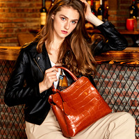 Leather handbags 2018 high quality women's handbags new soft leather cowhide large capacity ladies hand shoulder Messenger bag