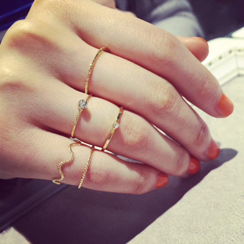 5 pieces.  Set the brightness of cute Chic style crystal rhinestone midi fist finger joint ring women ring gold earrings for women
