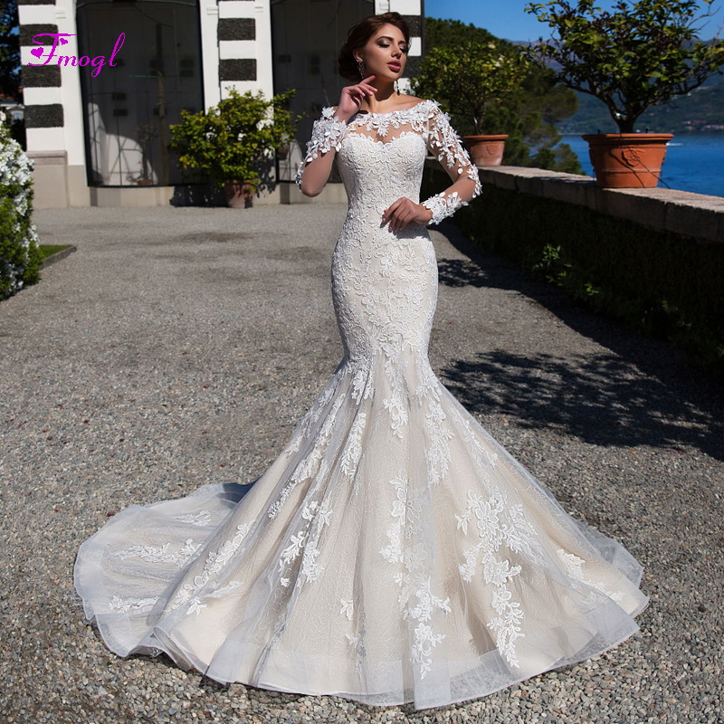 Gorgeous Appliques Long Sleeves Lace Mermaid Wedding Dresses 2019 Fashion Scoop Neck Button Trumpet Bridal Gown