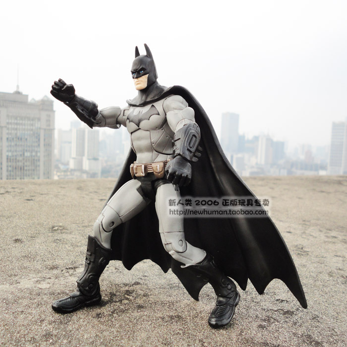 Free Shipping The Dark Knight New Batman DC Universe Arkham City Legacy Gray 7 Inch Action Figure HRFG031