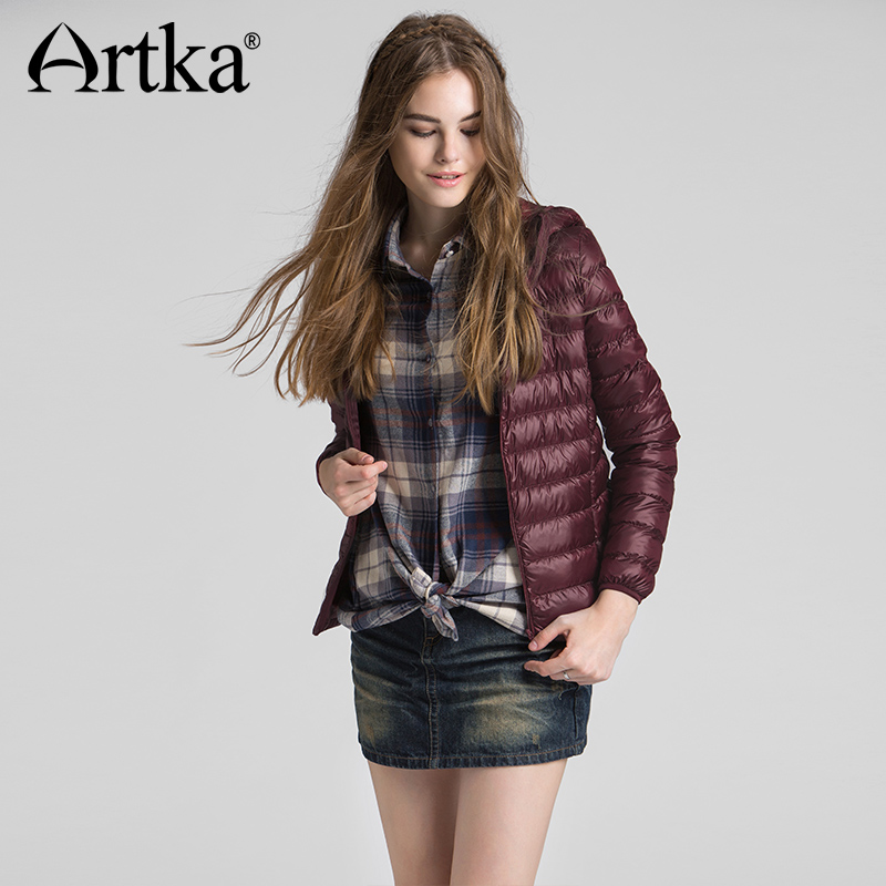 Artka 2018 Autumn & Winter Ultra Light Short Women Down Jacket 90% White Duck Down Female Slim Hooded Coat DK11262D