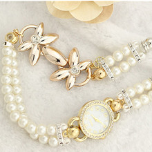 Hot Luxury Flower Pearl Bracelet Watch Women Fashion Wristwatches Ladies Rhinestone Quartz Watch Feminino Montre Mujer Relogio