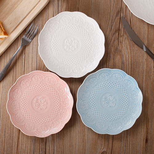 3 pcs 14 cm ceramic plate fruit emboss breakfast tray tableware cake plate round flat dish & 1PCS European style embossed ceramic plate with handles lace tray ...