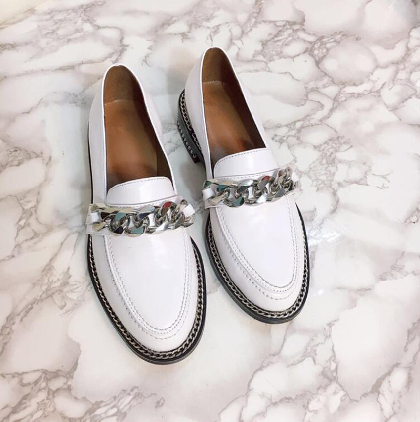 Confort Cuir Bout Femmes Date Loisirs Faible Talon Noir En Chaussures Stylewowner Métal Chaîne Simples Rond Style Pour Printemps blanc Véritable qZRxzC