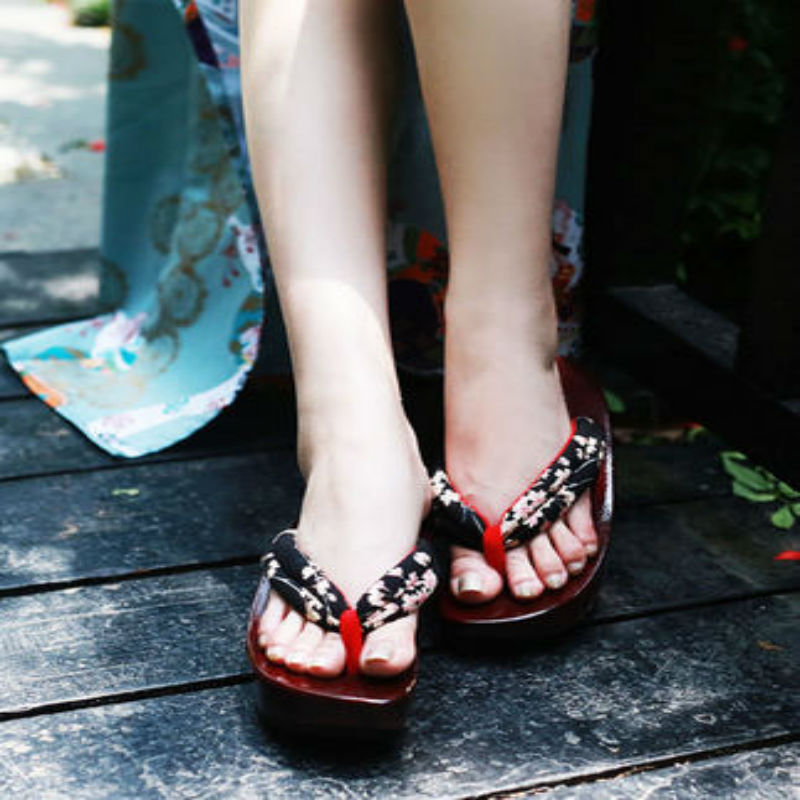 Women s Japanese Style Wooden Geta Clogs Sandals Footwear Cosplay Japan Anime Thick Bottom Slippers For