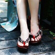 40dc197e07a Las mujeres de estilo japonés de madera zuecos Geta sandalias calzado  Cosplay Japón Anime de fondo grueso zapatillas hembra