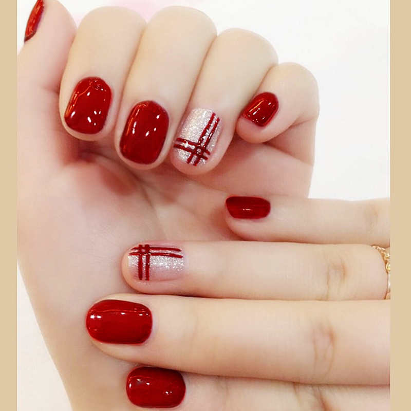 Finger Nail Art: 24pcs/Set Short Design Silver Glitter False Nails Wine Red