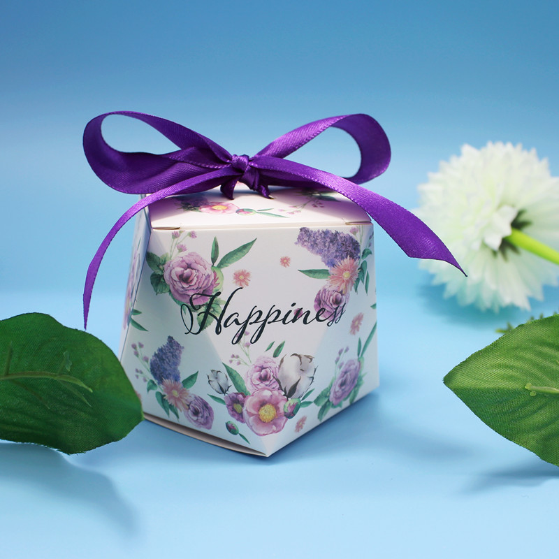 2018New 50pcs/lot Romantic Purple Candy Box Wedding Supplies Gift Premium Bag Diamond Ribbon Beautiful Flower Party