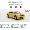 2016 Miniatura de carro de Metal Musical & Flashing modelos a escala 1:32 camaro oyuncak araba Envío Gratis