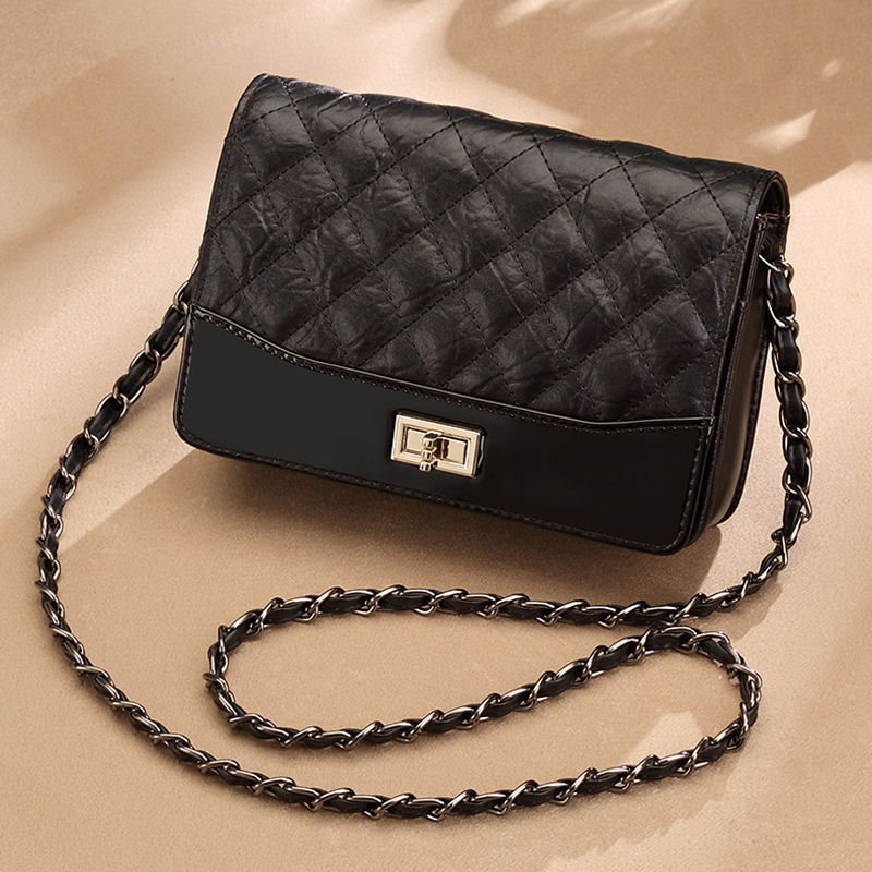 2018 New Fashion Woman Bag Genuine Leather Crossbody Chain Quilted Bag Shoulder Bag Cowhide Small Square Bags Designer Best Gift chain detail quilted bum bag