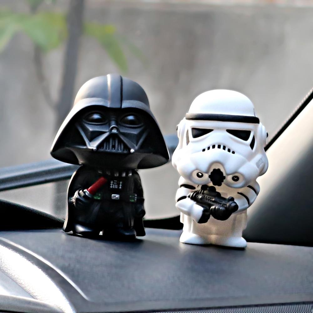 2 pcs/ensemble Star Wars Dark Knight StromTrooper Soldat Armes Mode Poupées Intérieur Tableau de Bord Décoration Ornement De Voiture de Coiffure