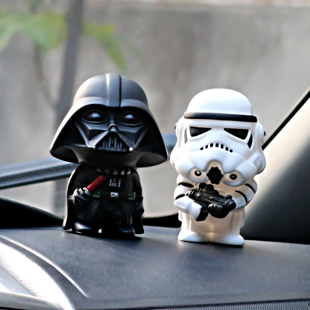 2pcs/set Star Wars Dark Knight StromTrooper Soldier Weapons Fashion Dolls Interior Dashboard Decoration Ornament Car Accessories