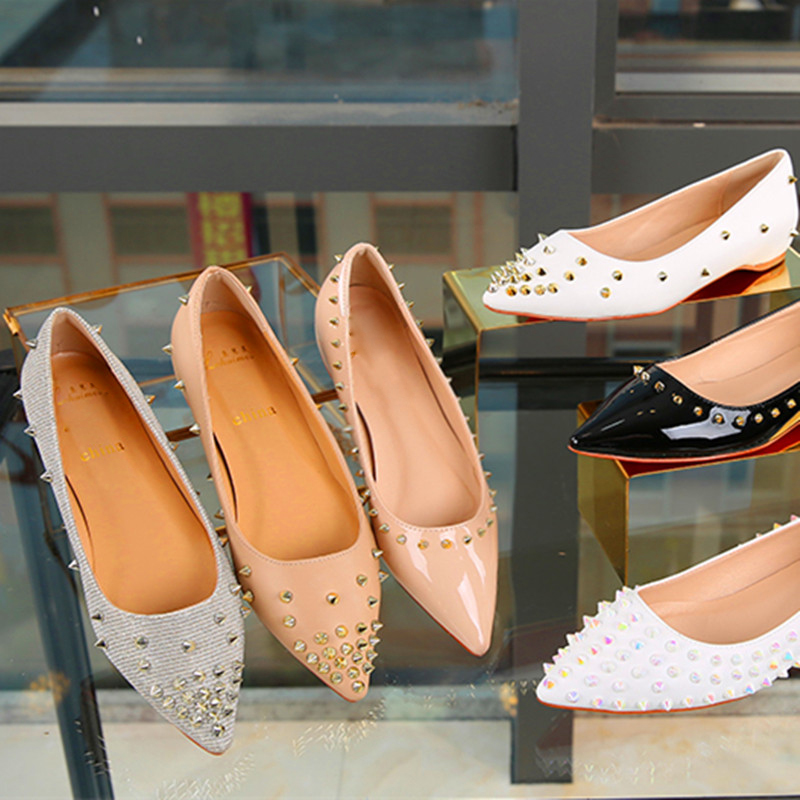 2018 Spring Fashion rivets women flats shoes Sexy Pointed toe women low heels shoes woman inside increase F fashion women pointed toe flats shoes spring autumn rivets bowtie shallow slip on woman ballet flats ladies single shoes pink