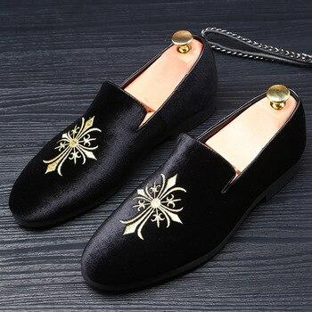 men fashion Loafers Casual Shoes Emboridery Gentleman Luxury Fashion Stress Men Brand Slip On