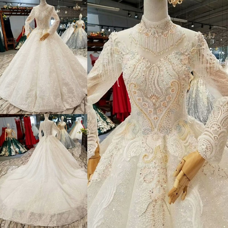 Classic Wedding Gowns 2018: Vintage Beaded Pearls Wedding Dress Royal Train Tassel