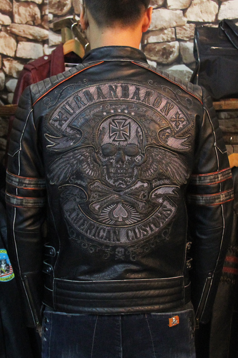Trasporto shipping.2017 Nuovo Marchio di abbigliamento plus size nero degli uomini del cranio Giacche in pelle da uomo genuine Leather biker jacket. motorbiker