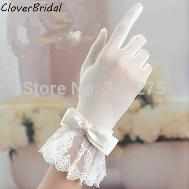 2017 Wrist Length Finger Bow Tie Belt Short Ivory Lace Wedding Gloves Bridal Glove For