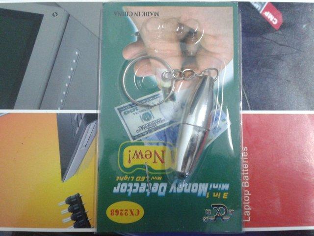 hot sell UV Light Lamp Counterfeit Bill money detector keychain new