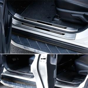 Image 4 - Vcry plaque de protection de talon de porte intérieure en acier inoxydable, pour Toyota RAV4 2013 2018, accessoires capots de bordure