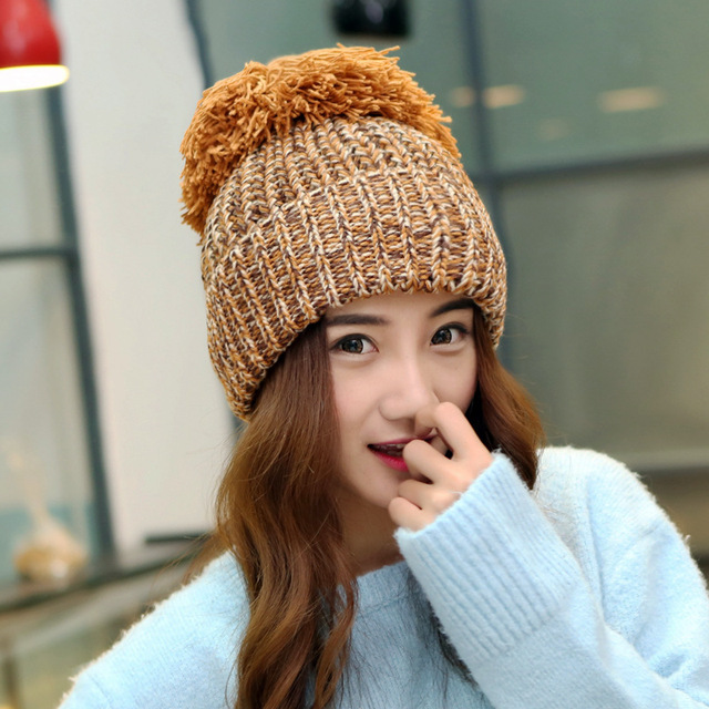 HTO Fashion Autumn And Winter Female Hats Selling The Knitting Ball Wool Cap Hat Casual Outdoor Cap For Women Free Shopping