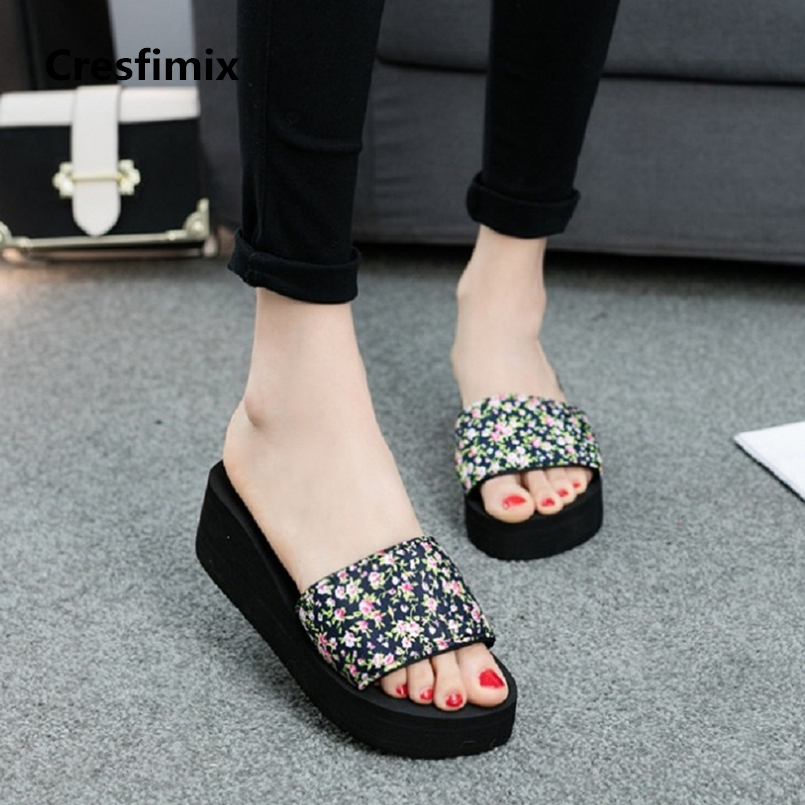 Cresfimix pantoufles pour femmes 2018 women fashion black floral printed slippers lady cool comfortable high heel slippers a597
