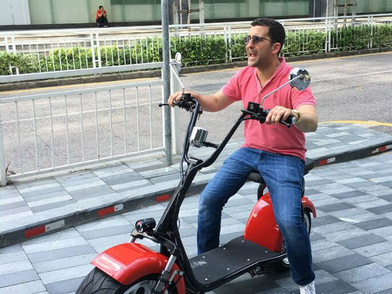 Scooter eléctrico tipo chopper 1200W