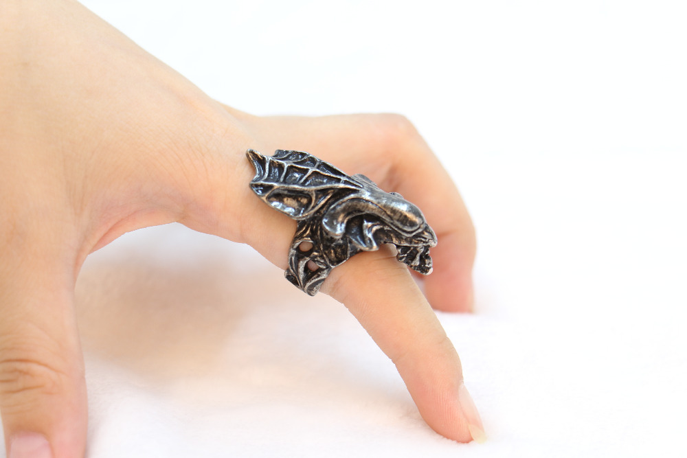 The punk style ring, Alien maternal monster ring.Plating ancient color rings for men