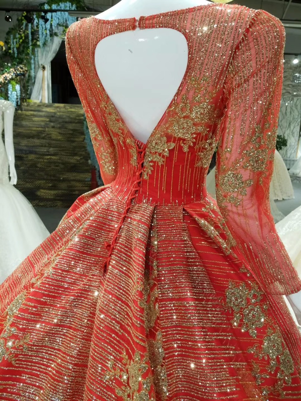 AOLANES Luxury Lace Crystals Appliques Arabic Champagne Gold Wedding Dresses Red Gold Bridal Gown 2018 Long Train Bridal Dresses in Wedding Dresses from Weddings Events