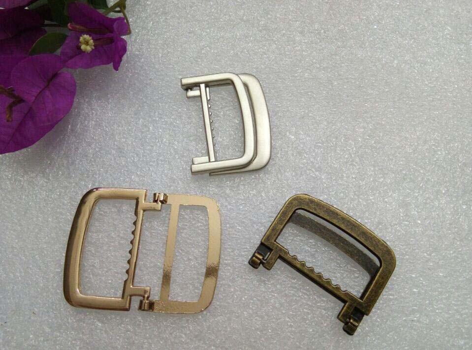 20 pcs Fold Bracelet Boucle Fermoir Sac Boucles Boucles De Ceinture en  alliage de Zinc boucle Sac Accessoires Bronze Or Nickel 38 48mm 2017010601 def8c5d3803