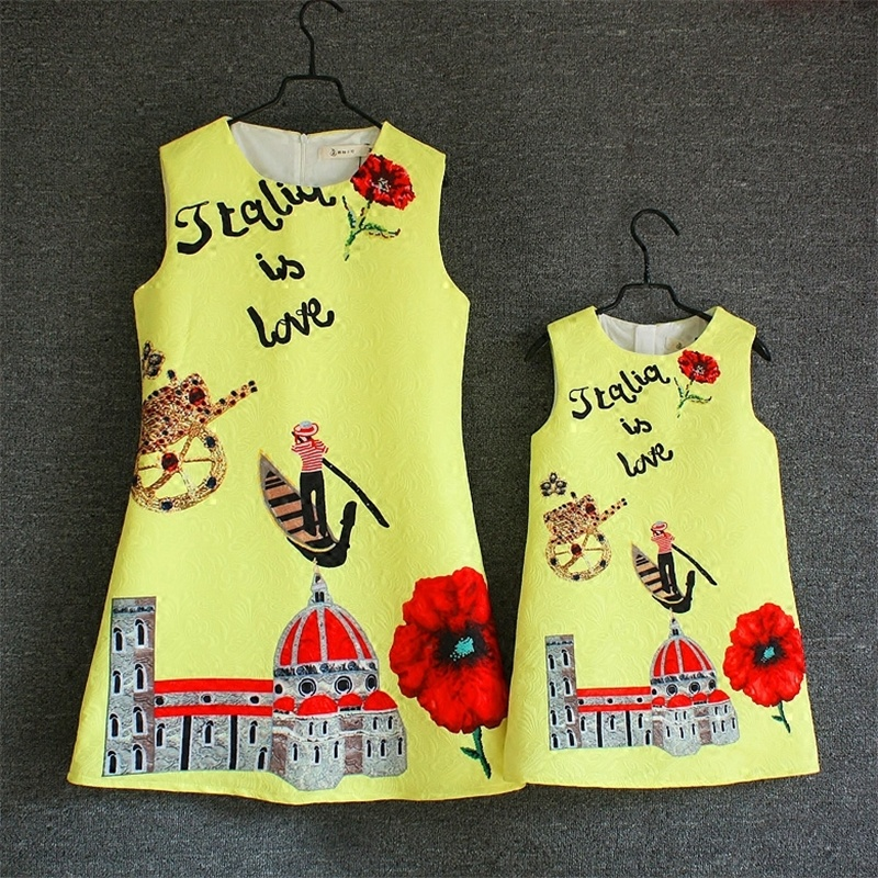 где купить Family match clothes graffiti prints A-line children piece set women girl sleeveless skirts mother daughter short jumper dresses по лучшей цене
