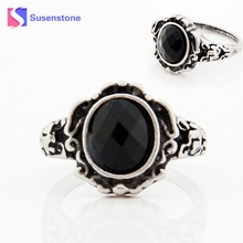 Classic Style Wedding Party Fashion Design Romantic Ring Women Ladies Fashion carved Vintage Imitate Black Onyx Ring Jewelry