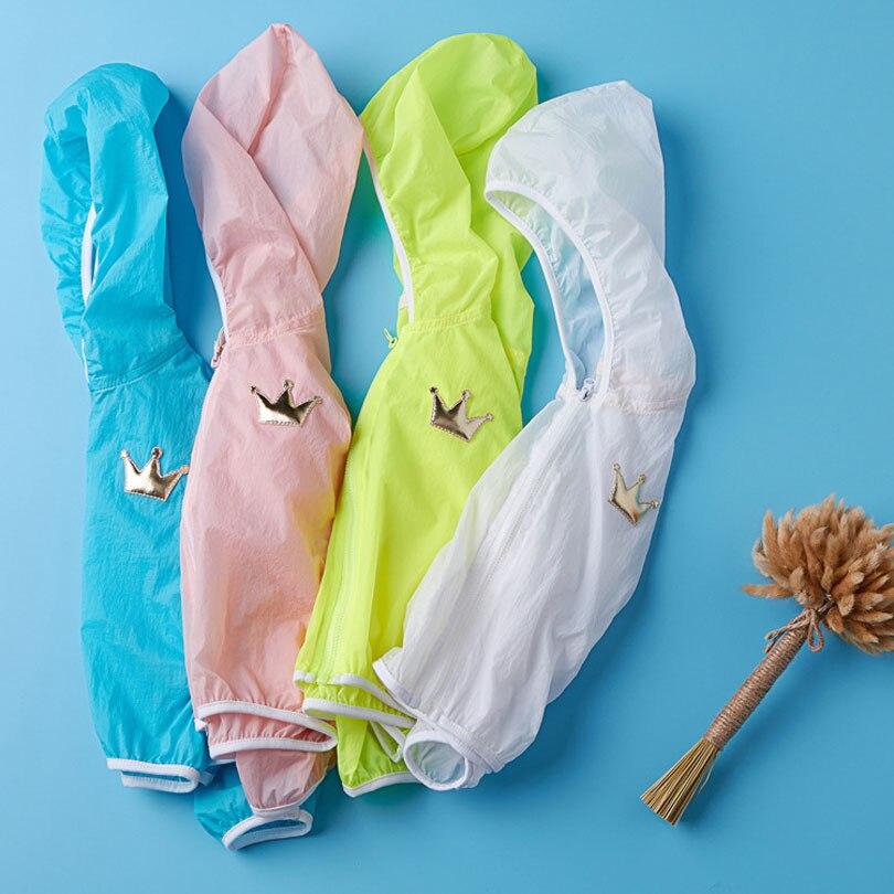 Для маленьких девочек Летняя Солнцезащитная верхняя одежда дети Повседневное куртка с капюшоном в полоску защиты от солнца одежда для ново...