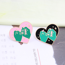 2pcs/set Women Men Heart Brooch Black Pink Hand Enamel Pins Couple Jewelry Jackets Lapel Pin Badge Bag Accessories Lover Gifts