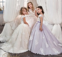 2016 New Ball Gown Lace  Flower Girl Dresses with Appliques Crystal Sashes Tulle Girls Pageant Gown First Communion Dresses FD04