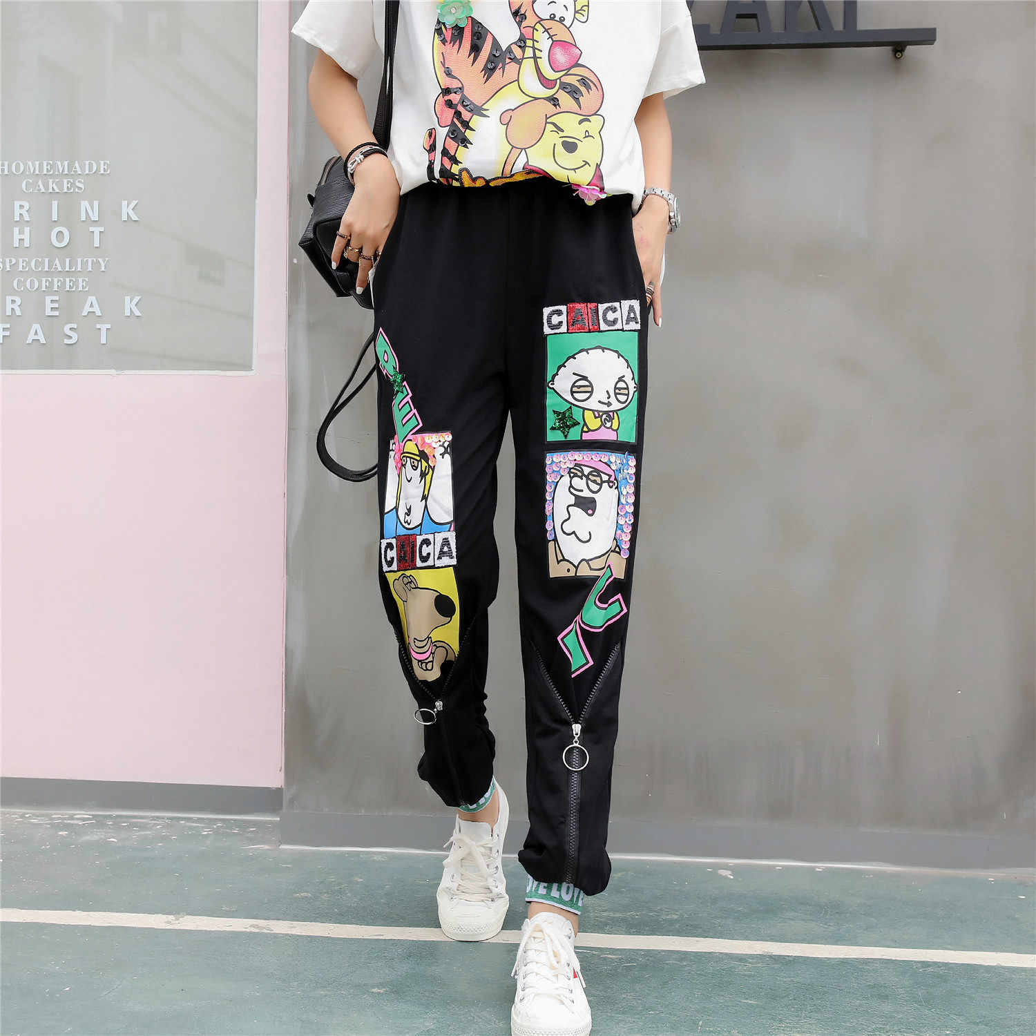 Tide brand 2019 new printing heavy handmade sequins rib foot casual pants fashion personality cartoon pattern pants