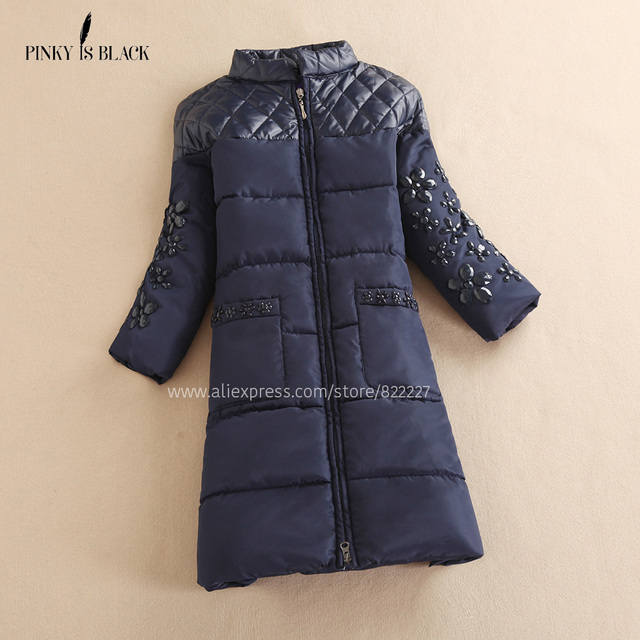 Mulheres Jaqueta de inverno 2016 de Diamante Emendados Para Baixo Algodão-acolchoado Outwear Pele Natural para inverno Casaco de Inverno Flor Das Mulheres Strass Longo Parkas