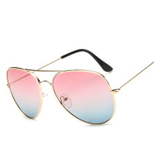 New Classic Pilots Glasses Metal Frame Men Women Gradient Lens Summer Trends Holiday Glasses sunglasses men X3026