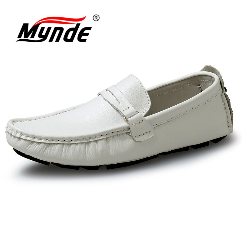Mynde New Men Casual Shoes 2018 Fashion Men Shoes Genuine Leather Men Loafers Moccasins Slip On Men's Flats Loafers Male Shoes for nissan teana altima 2013 2014 2015 abs chrome front bottom grill cover grilles trim cover car styling accessories