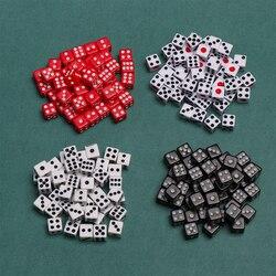 Dados de plástico de seis lados para juegos, 50 unidades/bolsa de 8mm, Blanco/negro/rojo, juego de mesa de fiesta de cumpleaños