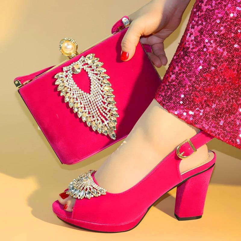 Włoskie damskie czerwony kolor buty i sprzęgła torba zestaw wysokiej jakości kobiet buty i torby, aby dopasować na wesele c96 15 w Buty damskie na słupku od Buty na  Grupa 3