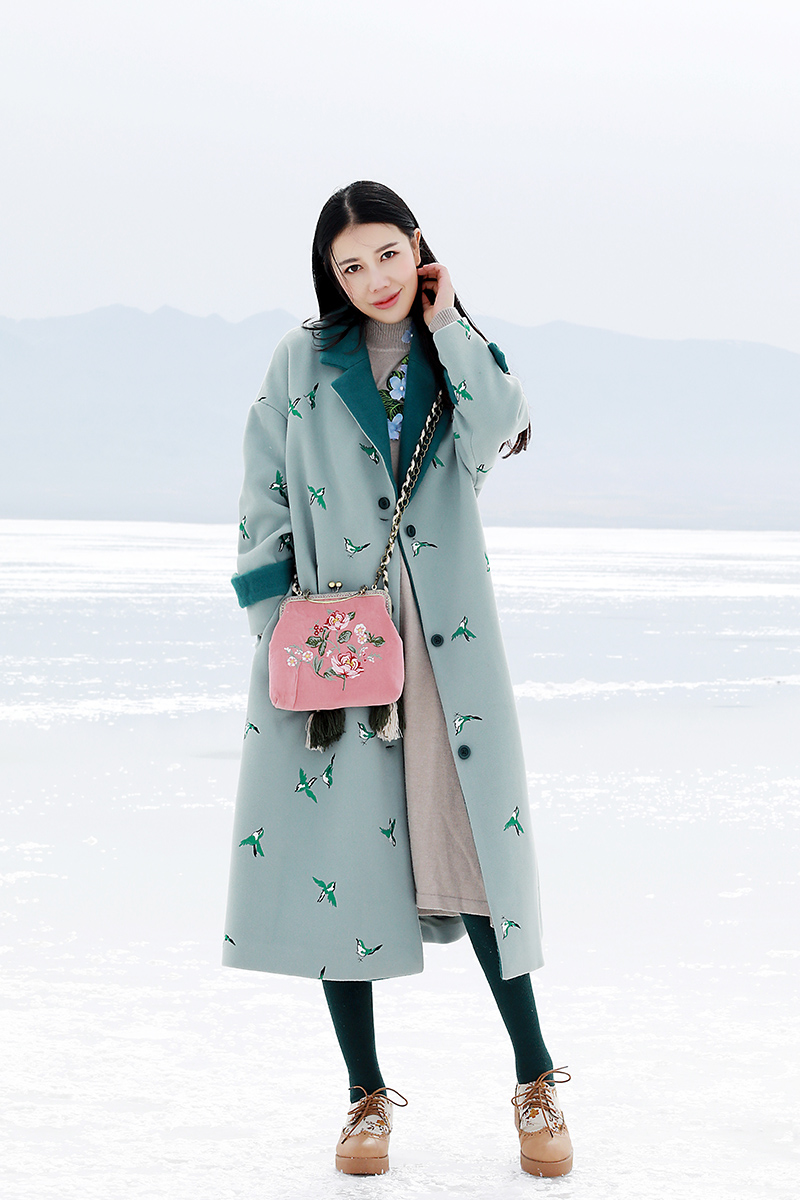 0f50abe51 LYNETTE S CHINOISERIE autumn winter women thickening wool coat white  embroidered berber fleece outerwear wadded jacket-in Wool   Blends from  Women s ...