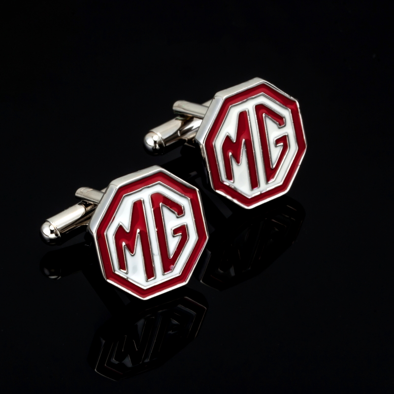 HYX Luxury Fashion red car logo cufflinks for mens Brand cuff buttons cuff links High Quality silver abotoaduras Jewelry