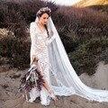 С длинным Рукавом Boho Свадебное Платье с Кружевом Суд Поезд Глубокий V Шеи Sheer Кружева Украшенные Высокая Бедра Щелевая Хиппи Свадебное платья