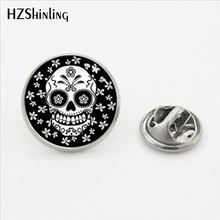 2017 Baru Sugar Skull Gesper Pin Handmade Bulat Bunga Tengkorak Perhiasan Kupu-kupu Bros Glass Photo Stainless Steel Kerah Pin(China)