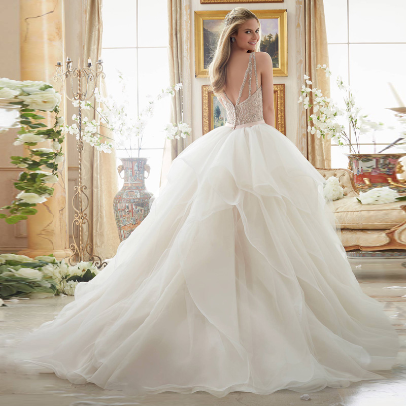 e2c12c75571 Vestido de noiva Luxury Tube Top Beading Crystals Bride Wedding Dresses  2017 v neck Aline gorgeous Wedding gown robe de mariee-in Wedding Dresses  from ...