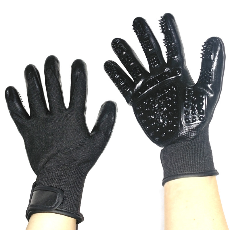Five Fingers Pet Grooming Gloves for Cleaning and Removal of Dogs and Cats Hair Made of Rubber Useful for Animal Bathing
