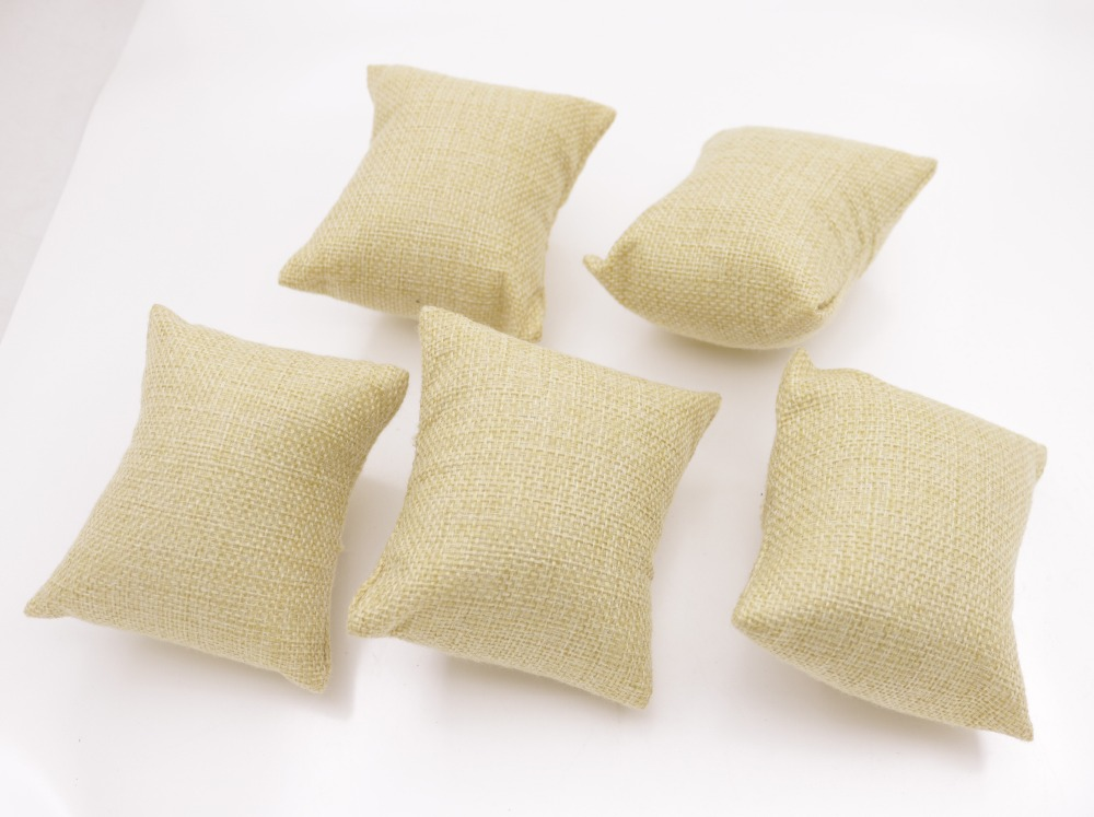 Купить с кэшбэком 7cmX9cm New Beige Linen flax small Pillow Watch Bracelet Jewelry Display