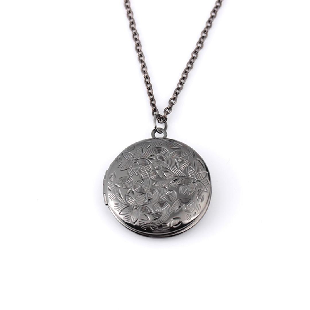 Vintage Antique Carved Flower Locket Necklace Engraved Name Date Secret Locket Round Pendant Chain Necklace Unisex Jewelry colar